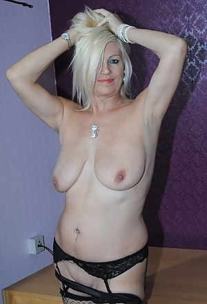 Free Moms Piercing Porn Pictures