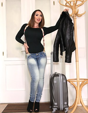 Free Moms Jeans Porn Pictures